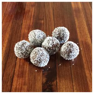 raw cranberry cocoa coconut bites