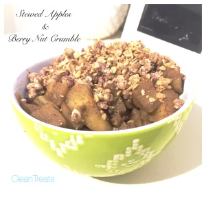 Stewed apples w berry nut crumble
